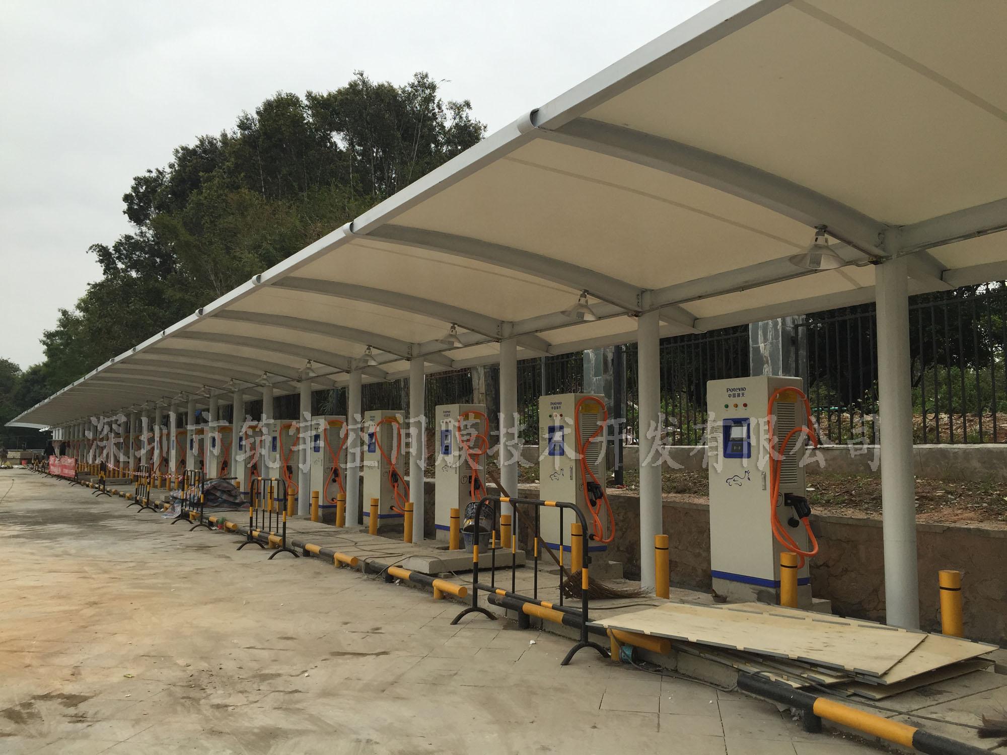 专业制作膜结构车棚,汽车棚